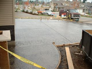 Stamped concrete driveway with two textures