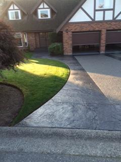 stamped-concrete-and-aggregate-driveway