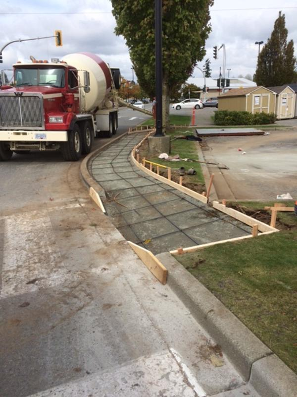 commercial-concrete-sidewalk-surrey-5