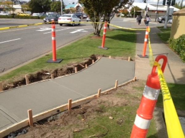 commercial-concrete-sidewalk-surrey-9