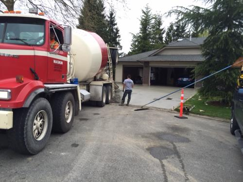 broomed-concrete-driveway-surrey-5