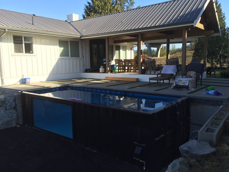 concrete pool deck for dipping pool