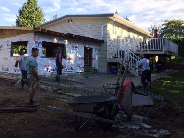 pouring-concrete-patio-abbotsford-bc