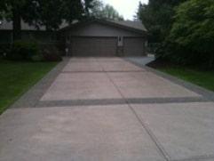 broom aggregate concrete driveway