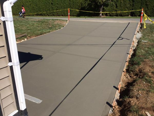 broomed-concrete-driveway-mission-1