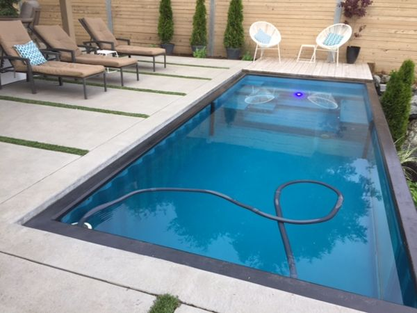 modpool-concrete-pool-deck-with-grass-2